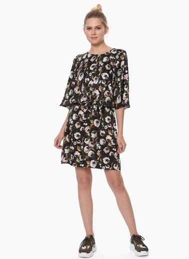 Que Çiçekli Kısa Elbise Siyah